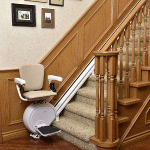 Stairlift for straight stairs